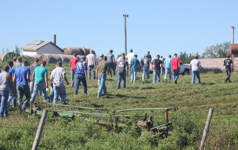 Ag Students Learn In The Field