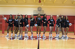 Hawks volleyball finishes 1-3 at Central Tournament