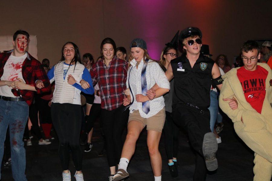 Student Activities hosts annual Halloween dance