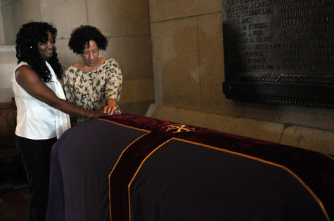 Body of 18th-century slave lies in Connecticut capitol