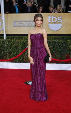 Sarah Hyland arrives for the 19th annual Screen Actors Guild Awards at Shrine Auditorium in Los Angeles, California, Sunday, January 27, 2013. (Allen J. Schaben/Los Angeles Times/MCT)