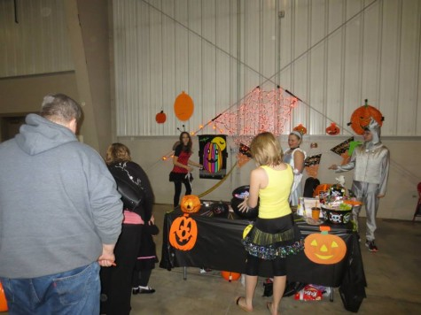 The Viewpoint Club helps kids play Pin the Tail on the Pumpkin