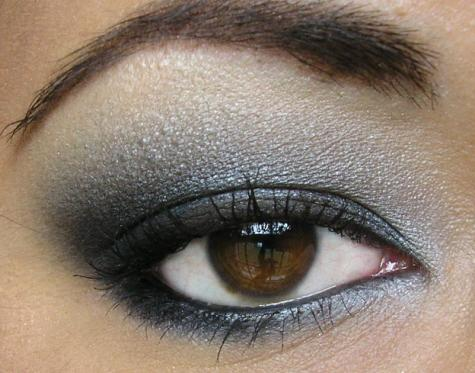 How To Create A Smoky Eye Look For The Season