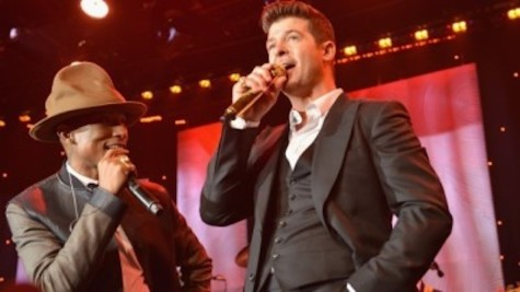 Robin Thicke Dances, Plays Piano In Court Over 'Blurred Lines' Lawsuit