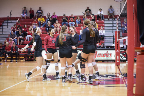 Hawks Down Southeastern In Straights Sets, Will Host Post Season Match