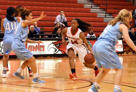 Hawks Win Over Iowa Central In Women's Basketball