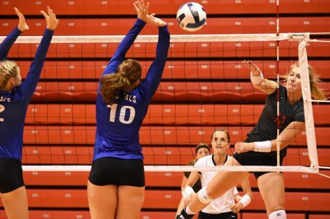 Northeast volleyball defeats Marshalltown in four sets