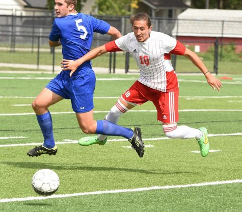 Northeast men's soccer outlasts Central, 4-2
