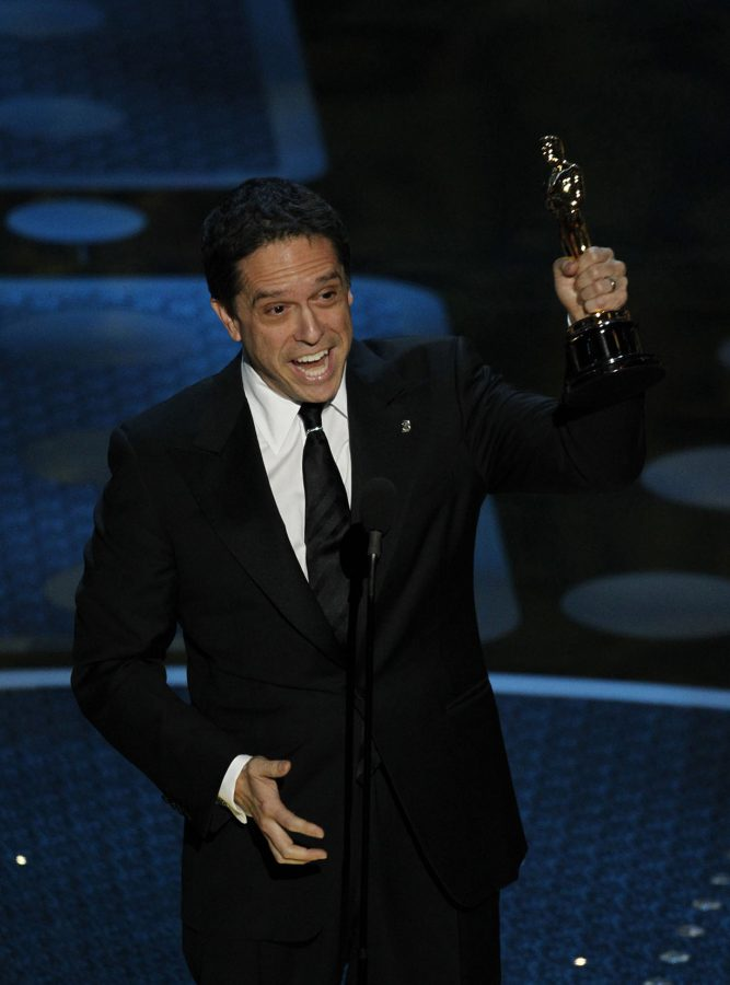 Director+Lee+Unkrich+holds+the+Oscar+for+Best+Animated+Feature+for+%26quot%3BToy+Story+3%26quot%3B+during+the+83rd+Annual+Academy+Awards+at+the+Kodak+Theatre+in+Los+Angeles%2C+California%2C+on+Sunday%2C+Feb.+27%2C+2011.+%28Liz+O.+Baylen%2FLos+Angeles+Times%2FMCT%29