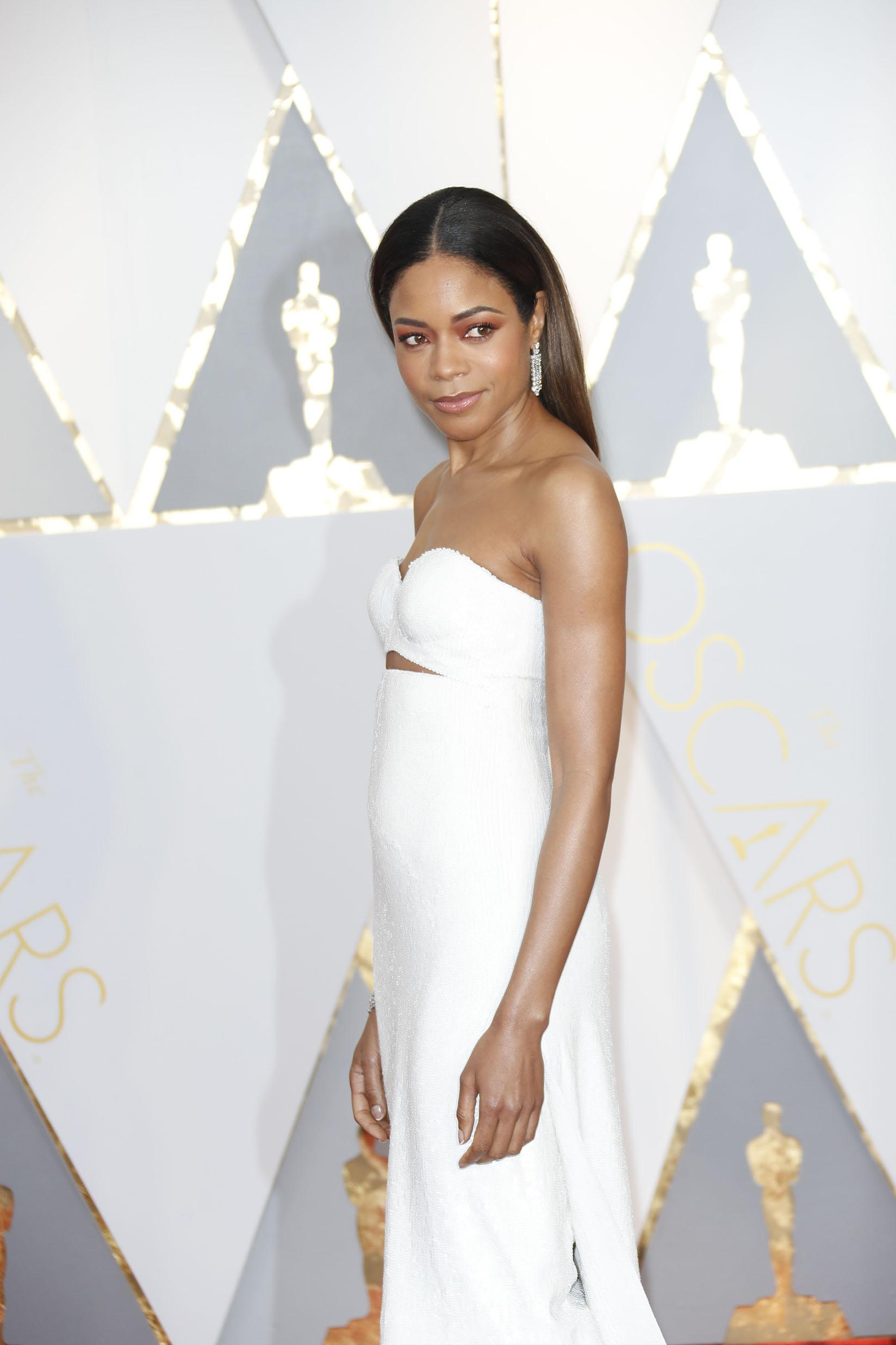 Naomie Harris arrives at the 89th Academy Awards on Sunday, Feb. 26, 2017, at the Dolby Theatre at Hollywood & Highland Center in Hollywood. (Jay L. Clendenin/Los Angeles Times/TNS)