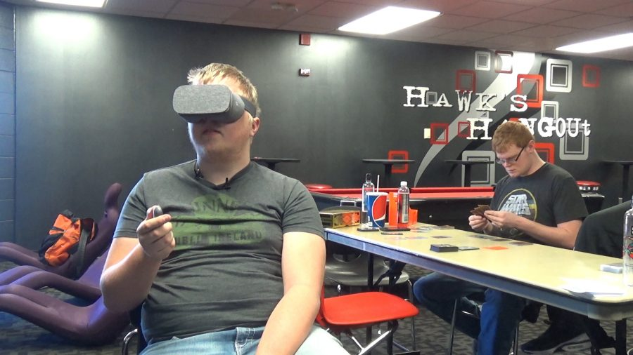 Students+and+staff+have+a+blast+with+virtual+reality