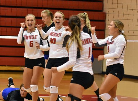 Hawks volleyball grabs two wins over non-conference foes